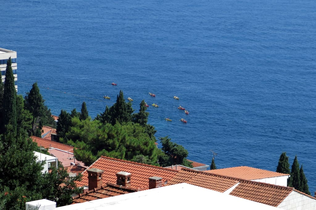Apartment Duby Dubrovnik - balcony view kayaking close to Banje beach
