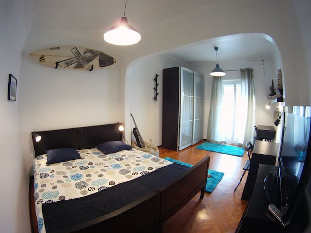 Surf Room with Balcony - Lizbon - Daire