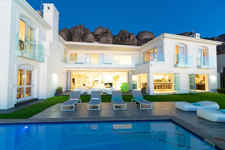 Spectacular Villa with Salt Water - Heated Pool