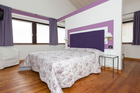 B&B Alena _ Room Amethyst - Bed & Breakfast