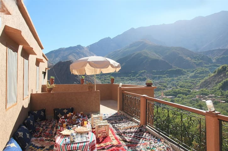 Stay with locals in Imlil valley - Imlil - Bed & Breakfast