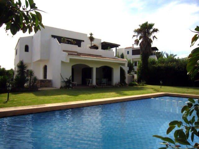 villa avec piscine a cabo negro
