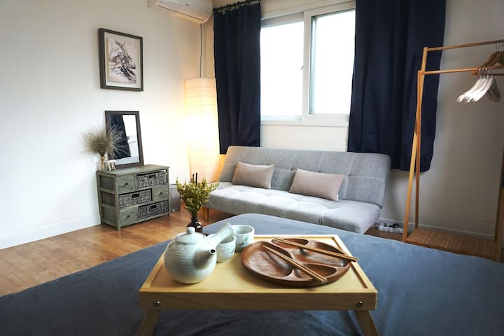 Hongik U. | Modern Home for 3ppl | Great Location