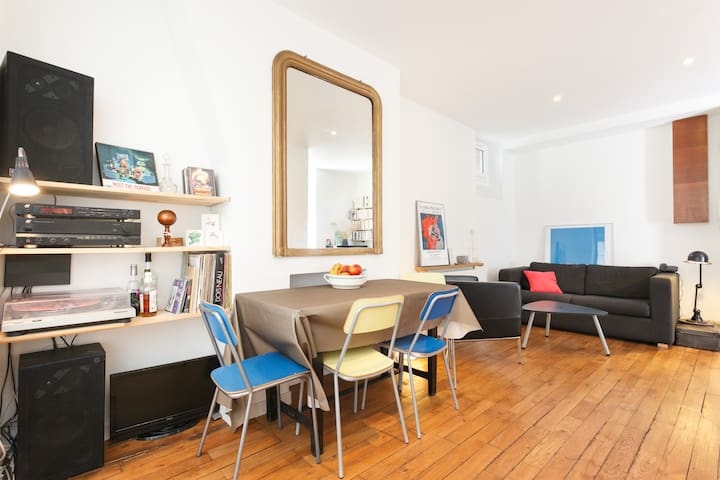 10 min walk from Montmartre, apartment 40 m2,