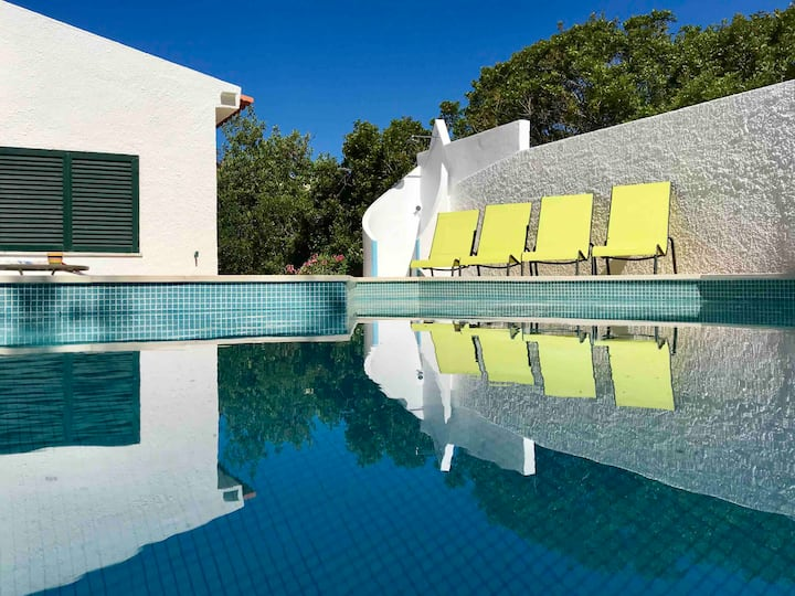 Great privat villa, seaview & pool, for 4 or 5pers