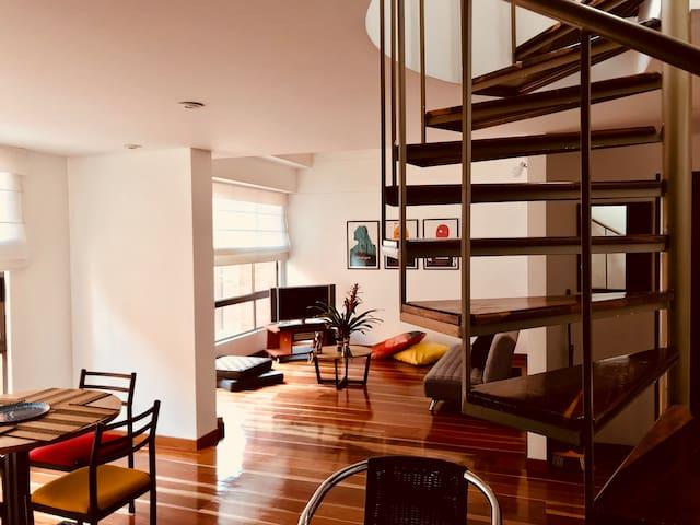 Amazing Penthouse! Apt602