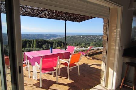 Le balcon d'Azur- The azure balcony
