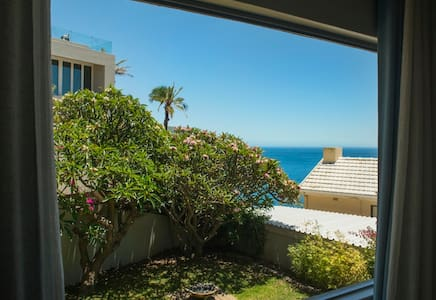 Bantry Bay Garden Apartment with sea views