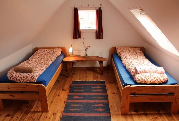 Comfy Twin Room Near Skibbereen
