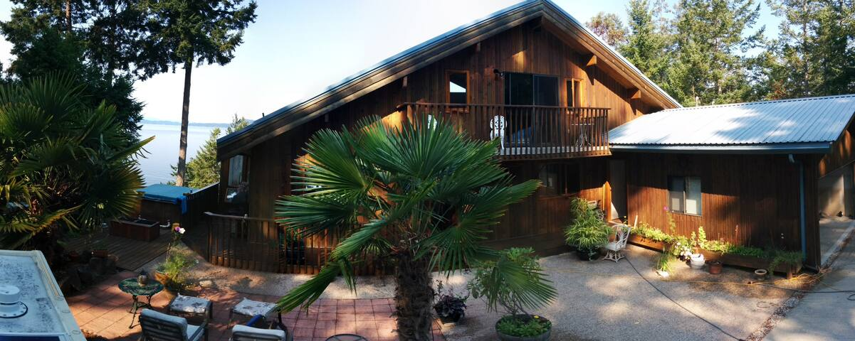 3 bedroom,sea view villa/cottage. - Halfmoon Bay - House