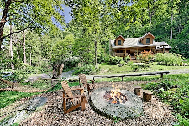 Secluded Creekside Cabin– 150 Acres, Private Trails