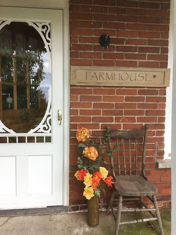 Farmhouse Retreat - Hastings - Ev