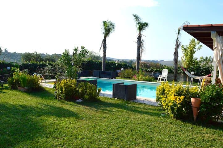 Villaggio Naif Girasole