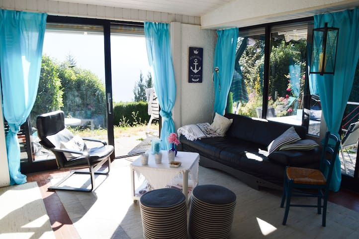 Gardaseeblick, (Tignale), Ferienhaus, 3 Schlafzimmer, Terrasse mit Garten, max. 5 Personen