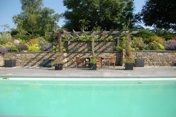 Luxury Peak District Home - 2 miles from Ashbourne - Ashbourne - House