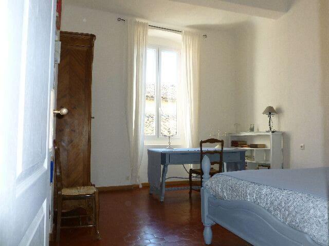 chambre  salle de bain individuelle - Caux, Hérault - Bed & Breakfast