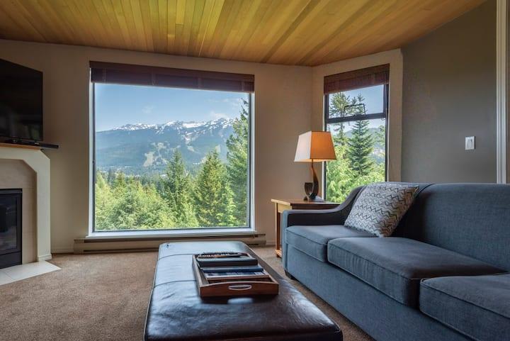 Mountain View Condo w/Pool&HotTub, Quiet Location