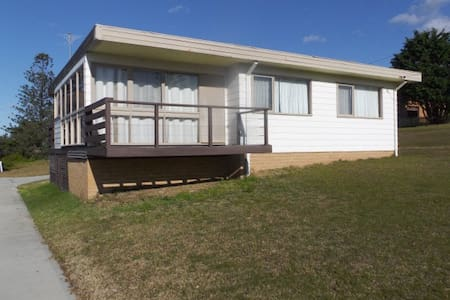 Beach House / Holiday Home - Tuross Head