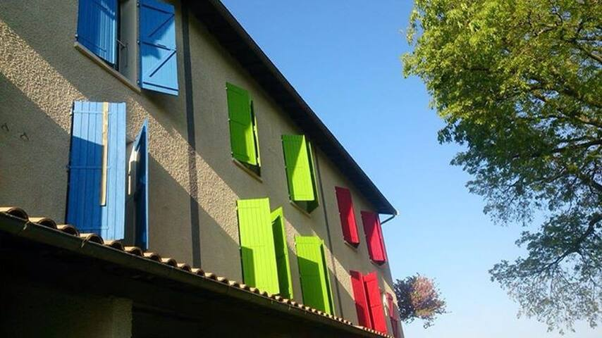 Friendly Auberge bed near Toulouse - Colomiers - Bed & Breakfast