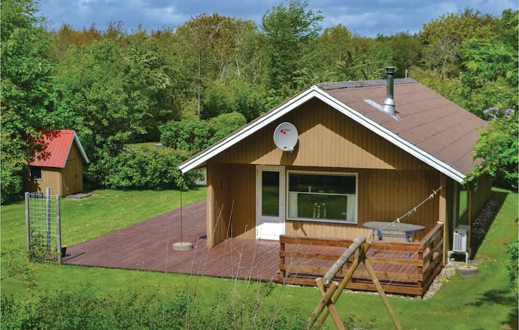 Holiday cottage with 3 bedrooms on 68m² in Hemmet