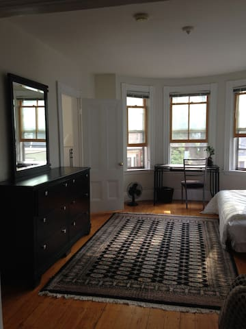34 2 charming apt in porter sq apartments for rent in 3 bedroom apartments in cambridge ma