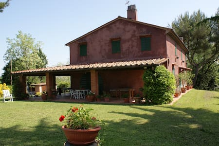 Indipendent country house - Lorenzana Crespina (PI)