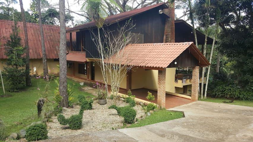 Villa hermosa Capacidad para 30 personas - 哈拉巴可亞(Jarabacoa) - 小木屋