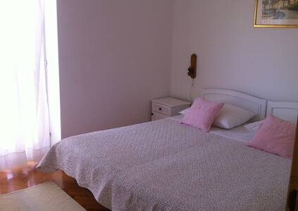 Sea view room with balcony  twin/double - Hvar - Bed & Breakfast