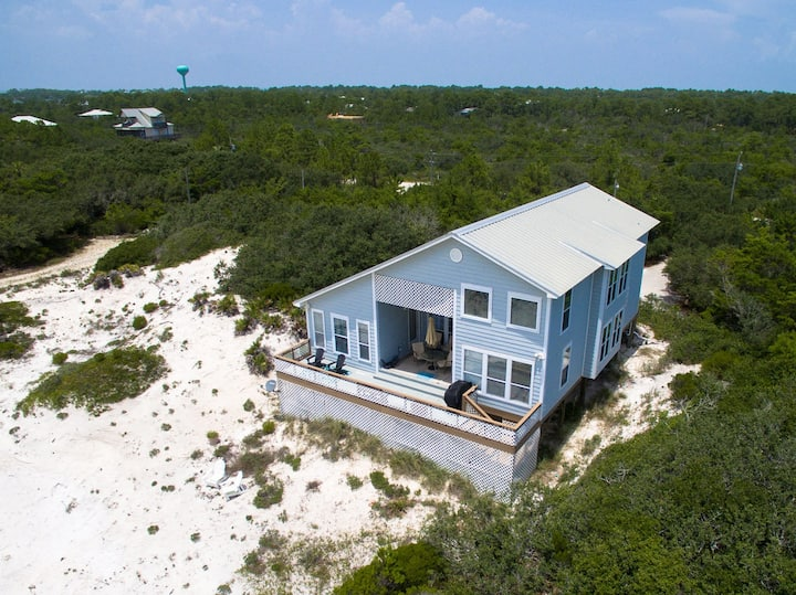 Beach Bliss with Gulf Views!! Pet Friendly and just steps to the beach!