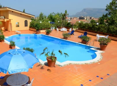 Charming Villa with Swimming Pool - Partinico