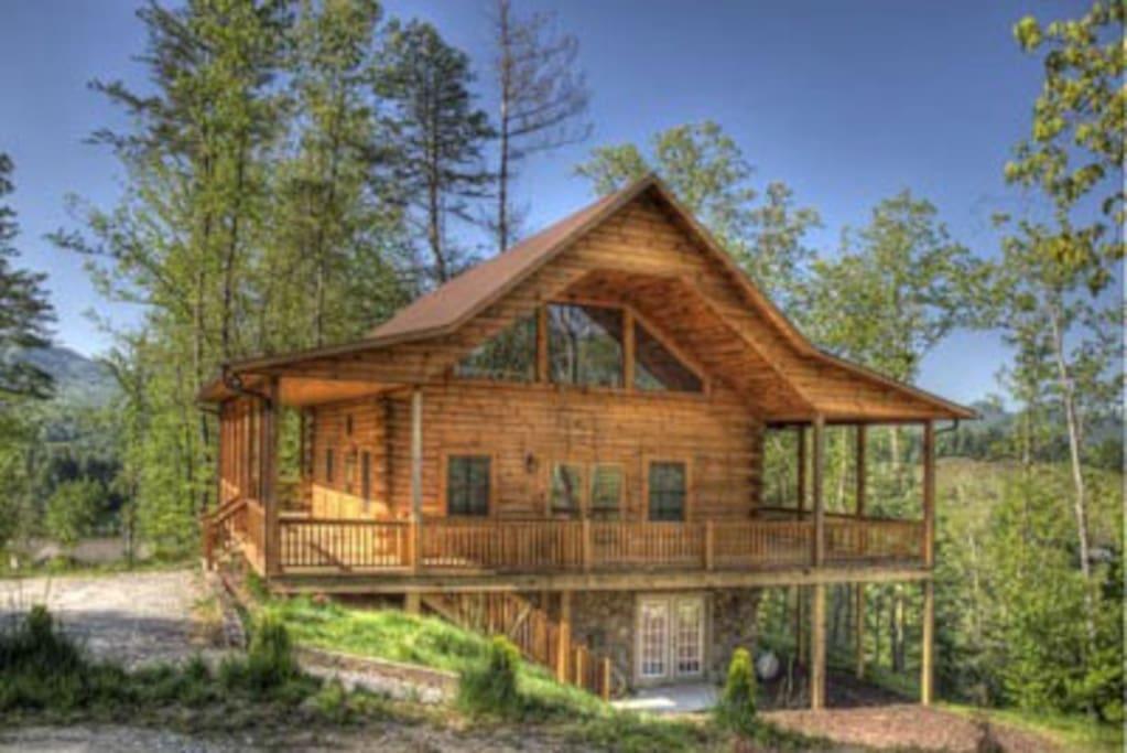 Deep Creek Overlook W Gameroom Cabins For Rent In Bryson