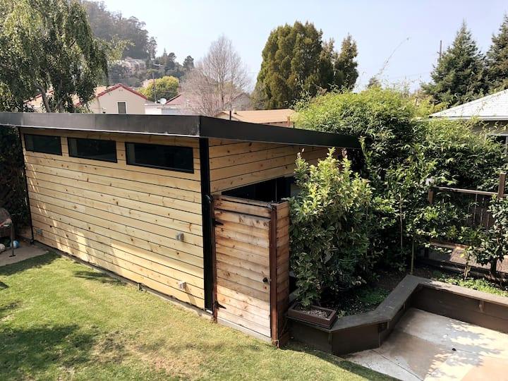 Garden studio stops away to SF