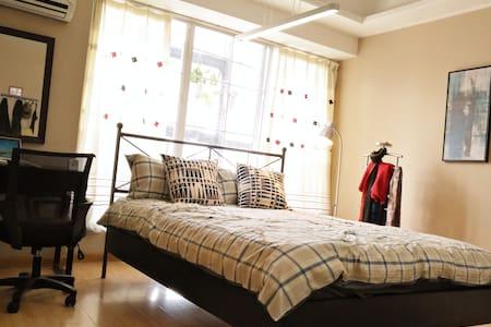 合肥二胖,位于天鹅湖边两个勤劳勇敢正直善良肥宅攻城狮经营的落地长窗公寓 - Hefei - Apartment