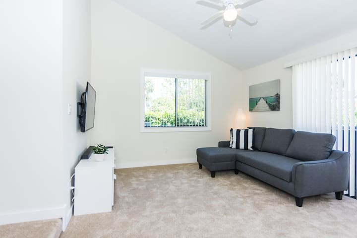 Besides the two bedrooms, the sofabed in the living room is an extra where another guest can sleep.