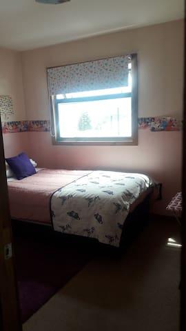 Una habitacion con cama nido. $10000