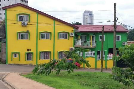 villa haut standing - Yaounde - Casa