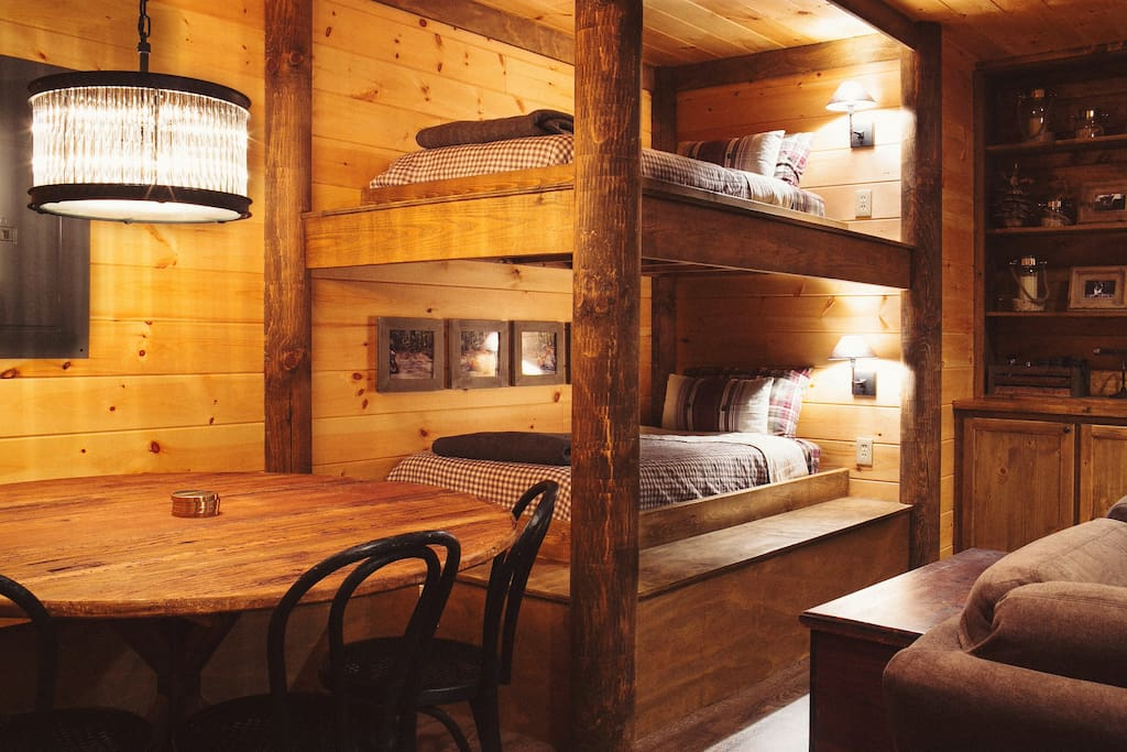 Beautiful blue ridge cabin 3 bed 3 bath cabins for for 8 bedroom cabins in blue ridge ga