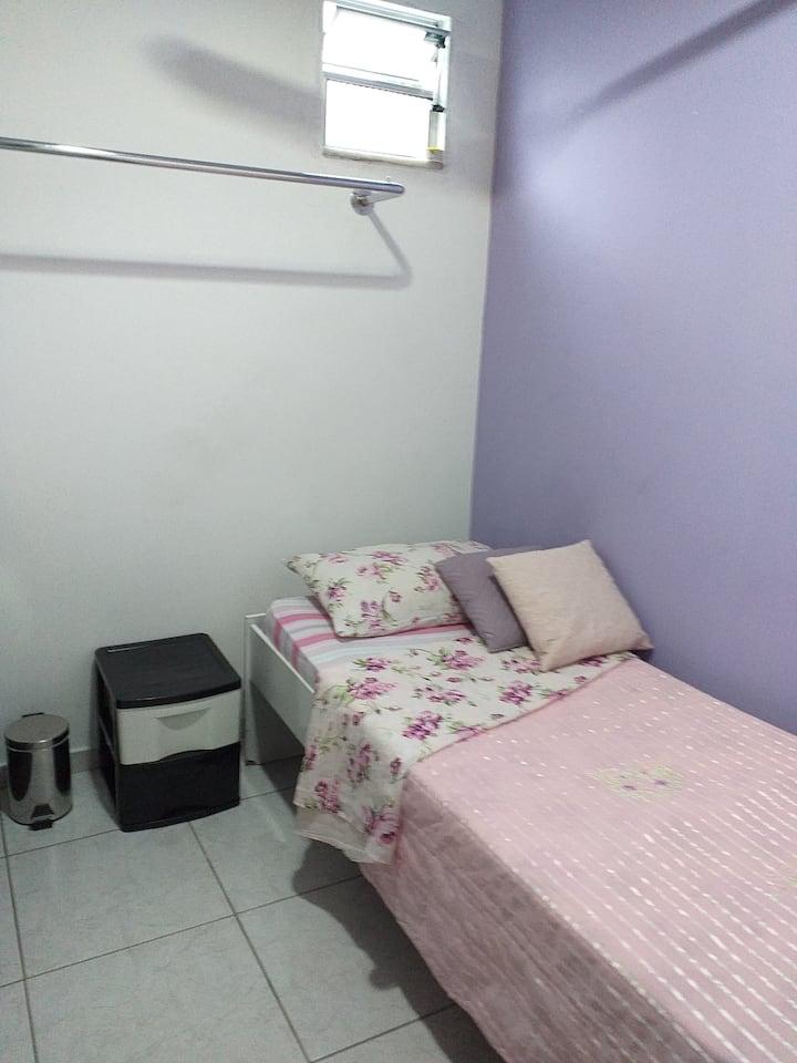 Quarto 7 Individual Hóstel 243 Centro Niterói RJ
