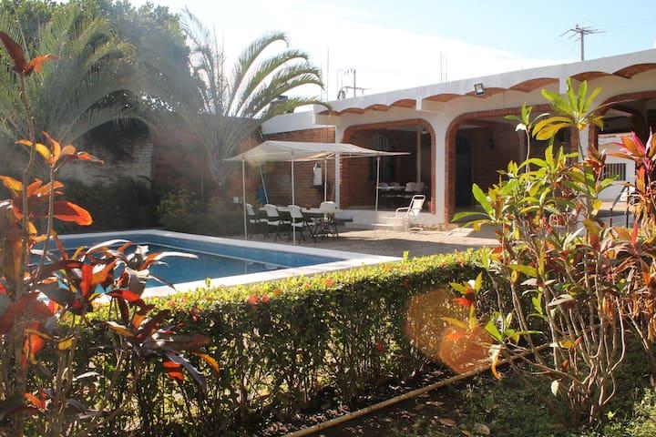 Villas del Monteón - Monteón - Bungalow
