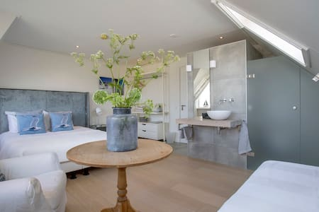 Luxe BnB Villa Envie @ Sneekermeer - Terherne - Bed & Breakfast