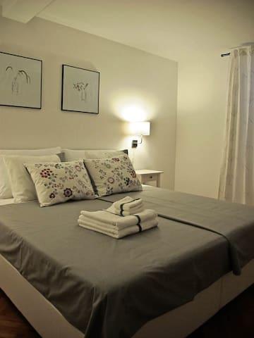 Beautiful room in city center - Korčula - House