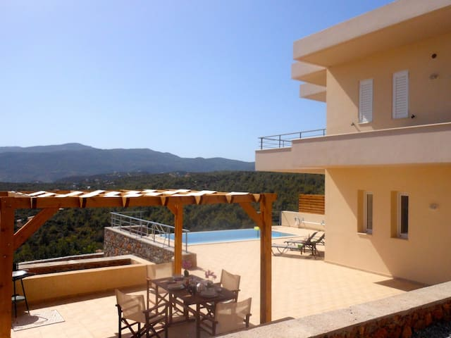 Villa Poppy - 2 floors,  sea view villa & its o.