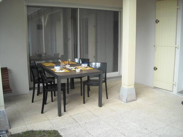 Chambre dans petite maison - Saint-Palais-sur-Mer