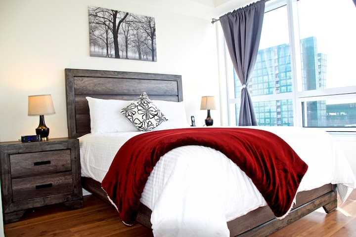Yonge & Sheppard Stylish 1 bdroom Fully Furnished
