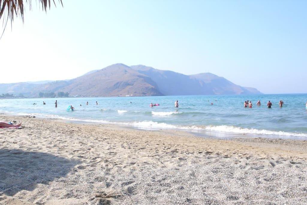 La plage de Kalyves