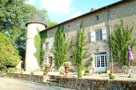 Chateau de Roussac Chambres d'Hotes - Roussac