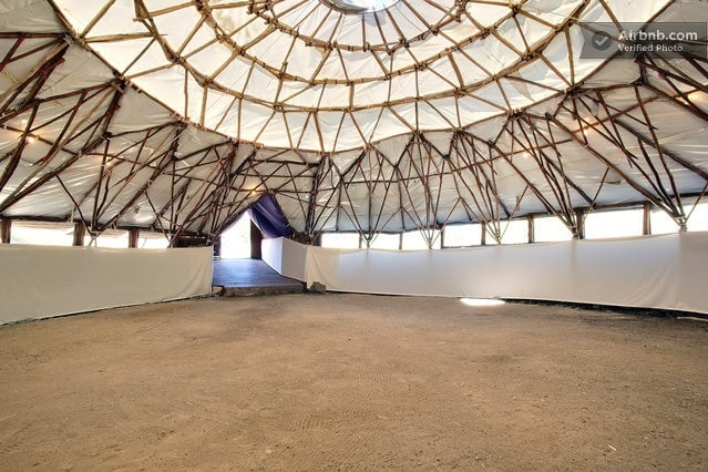 16 Indoor Camping Tents In The Big Dome Tentes à louer