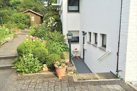 Schöne und ruhige 1-Zimmer Wohnung - Rosengarten, Lower Saxony - Leilighet