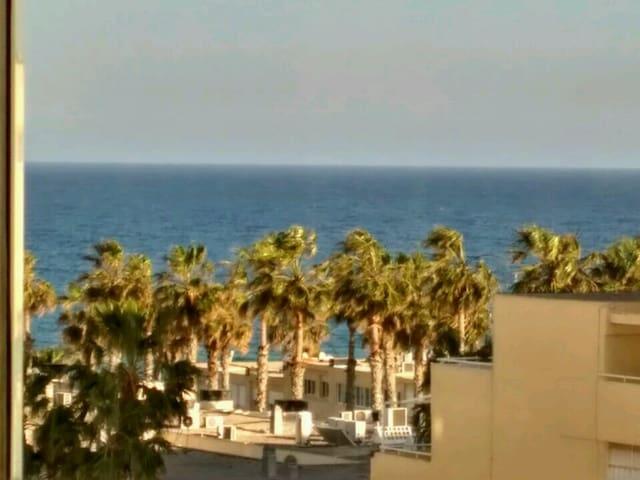 bonito apartamento a 150 metros de la playa