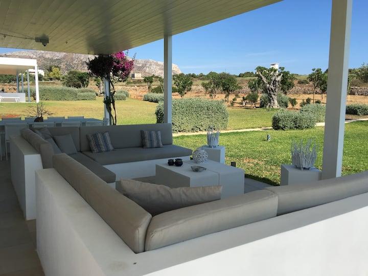 Villa a Favignana località Cava Grande